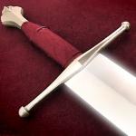 Имеющий острый меч
